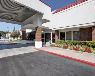 Motel 6 Irvine Orange County Airport - Santa Ana - Edifício