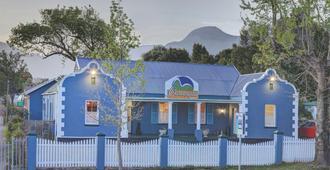 Outeniqua Travel Lodge - ג'ורג'