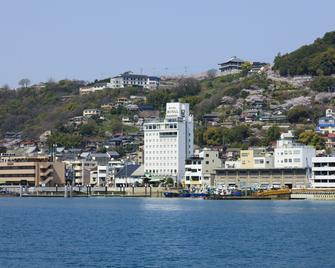 Onomichi Royal Hotel - Onomichi - Outdoors view