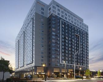 Hotel Interurban - Tukwila - Building