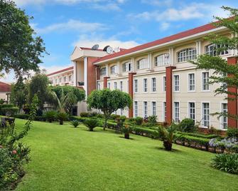 Protea Hotel by Marriott Blantyre Ryalls - Blantyre - Gebäude