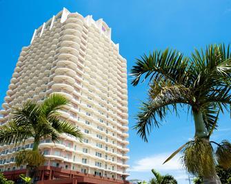 The Beach Tower Okinawa - Chatan - Edifício