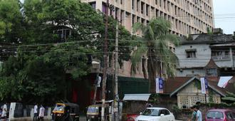 Hotel Rajmahal - Guwahati