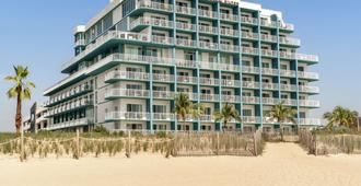 DoubleTree by Hilton Ocean City Oceanfront - Ocean City - Building