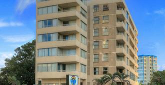 View Pacific Holiday Apartments - Surfers Paradise - Building