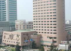 Kunming Jin Jiang Hotel - Kunming - Building