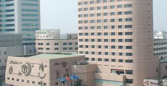 Kunming Jin Jiang Hotel - Kunming - Byggnad
