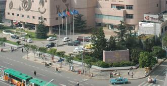 Kunming Jin Jiang Hotel - Kunming - Rakennus