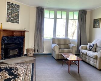 Escape to the Country. Cosy Farmstay Cottage - Levin
