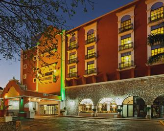 Holiday Inn Merida - Mérida - Building