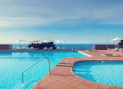 聖塞瓦斯蒂安伊戈多山美居酒店 - 聖塞巴斯蒂安 - 游泳池