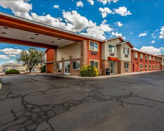 Quality Inn - Los Lunas - Building