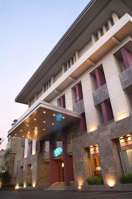 Serela Riau Hotel Bandung - Bandung - Rakennus