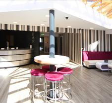 Damon's Hotel