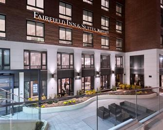 Fairfield Inn & Suites New York Manhattan / Central Park - New York - Building