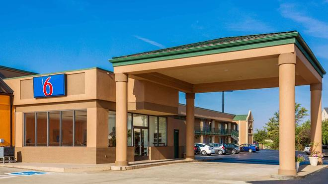Motel 6 Clarksville Tn - Clarksville - Building