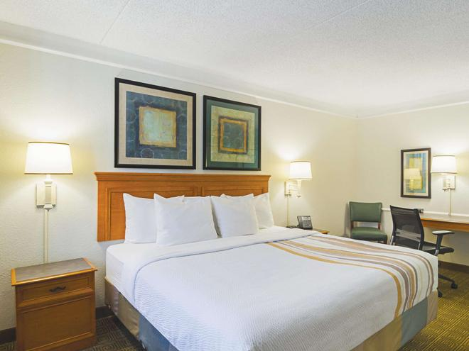 La Quinta Inn by Wyndham Denver Northglenn - Westminster - Makuuhuone