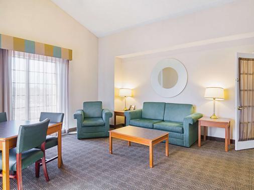 La Quinta Inn by Wyndham Denver Northglenn - Westminster - Phòng khách