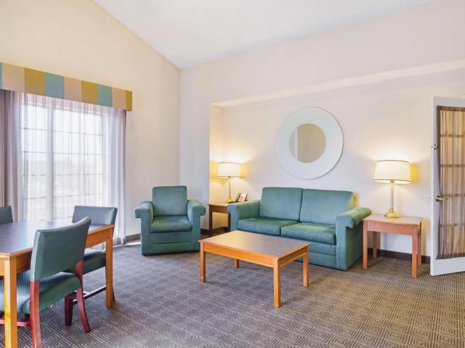 La Quinta Inn by Wyndham Denver Northglenn - Westminster - Olohuone