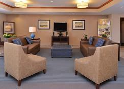 Candlewood Suites Williston, An IHG Hotel - Williston - Lobby
