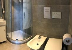 Hotel Convertini - Milan - Bathroom