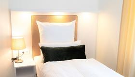 Amplidi Hotel Hannover - Hannover - Bedroom