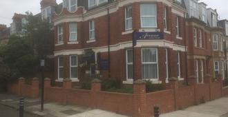 The Avenue - Newcastle-upon-Tyne - Edificio