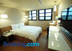 Kindness Hotel - Kaohsiung Main Station - Kaohsiung - Bedroom