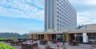 Holiday Inn Guangzhou Science City - Kanton - Patio