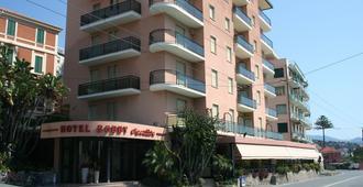 Hotel Bobby Executive - San Remo - Building