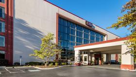 Clarion Hotel Convention Center Jackson Northwest - Jackson - Edificio