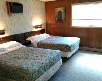 Huron Inn - Saint Ignace - Bedroom