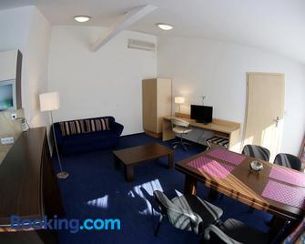 Apartments Kromeriz - Kroměříž - Living room
