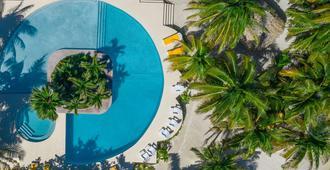 Portofino Beach Resort - San Pedro Town - Bể bơi