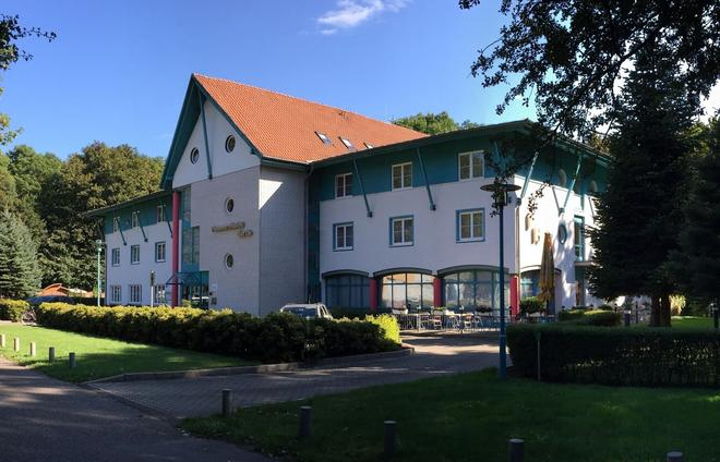 Gut-Hotel Pommernhotel Barth - Barth - Building