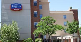 Fairfield Inn by Marriott New York LaGuardia Airport/Flushing - Queens - Edificio