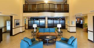 Holiday Inn Express & Suites Jacksonville Airport - ג'קסונוויל - לובי