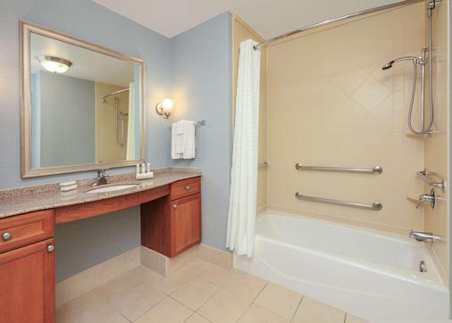 Homewood Suites by Hilton Irving-DFW Airport - Irving - Kylpyhuone