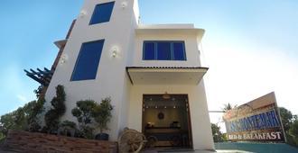 Casa Montemar Bed and Breakfast - Coron - Building