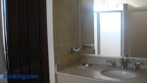 Hotel Porto Novo - Veracruz - Bathroom