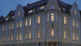 Apartment Hotel Kral - Erlangen - Building