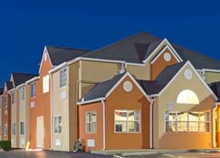 Microtel Inn & Suites by Wyndham Murfreesboro - Murfreesboro - Gebouw