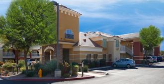Extended Stay America - Phoenix - Chandler - E. Chandler Blvd. - Phoenix - Building