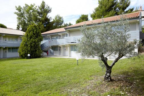 Campanile Aix En Provence Ouest - Jas de Bouffan - Aix-en-Provence - Building