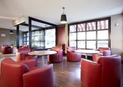 Campanile Aix En Provence Ouest - Jas de Bouffan - Aix-en-Provence - Lounge