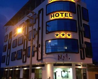 Sakura River Hotel - Bagua Grande - Building