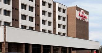 Ramada Plaza by Wyndham Hagerstown - Hagerstown