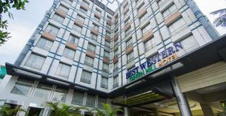 Best Western Green Hill Hotel - Yangon