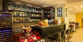 Best Western Green Hill Hotel - Rangoon - Bar