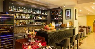 Best Western Green Hill Hotel - יאנגון - בר